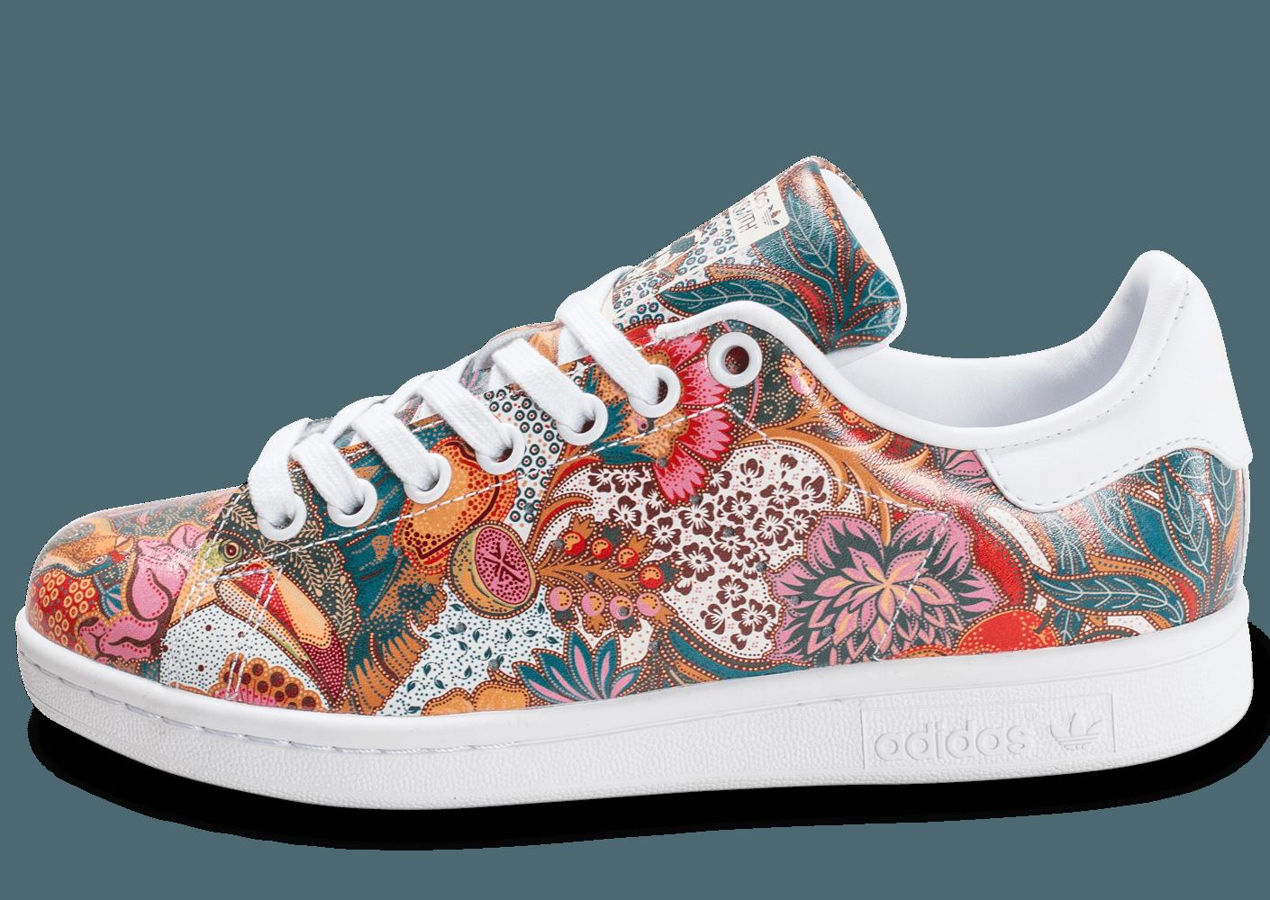 adidas stan smith avec des fleurs